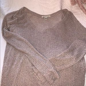 Knit long sleeve v neck sweater